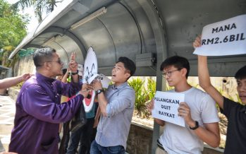Najib's supporters and students probed