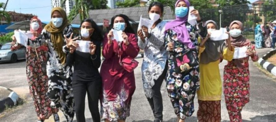 Pasir Gudang: Students sad they couldn't take SPM results at school