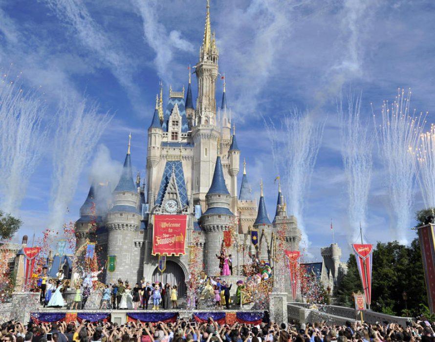 Disney bans smoking at U.S. parks ahead of 'Star Wars' openings