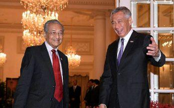 Mahathir and Hsien Loong for retreat in Putrajaya