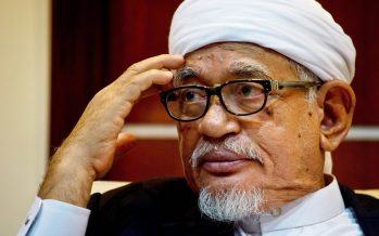 "Abdul Hadi : ""Nothing to do with apple polishing Mahathir""."
