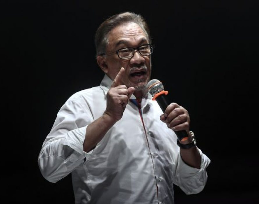 Anwar confused by Chinese support for BN