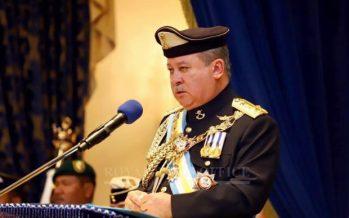 Johor Sultan summons state reps, Amanah MPs arrive at Istana Negara
