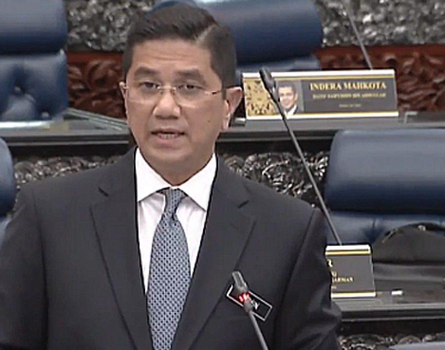 Azmin to meet Sarawak state govt on petroleum tax