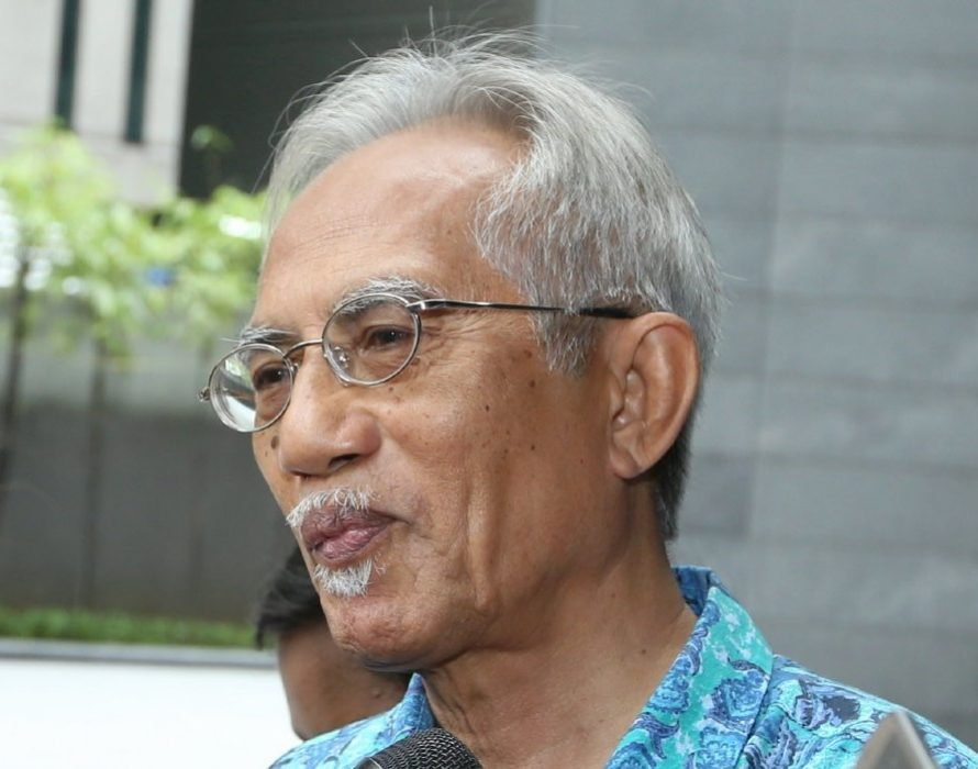 Kadir Jasin reminds new MB that Johor people supported PH, not royalty