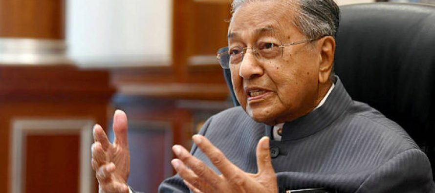 Invest in fintech, Dr Mahathir tells Islamic banking and finance