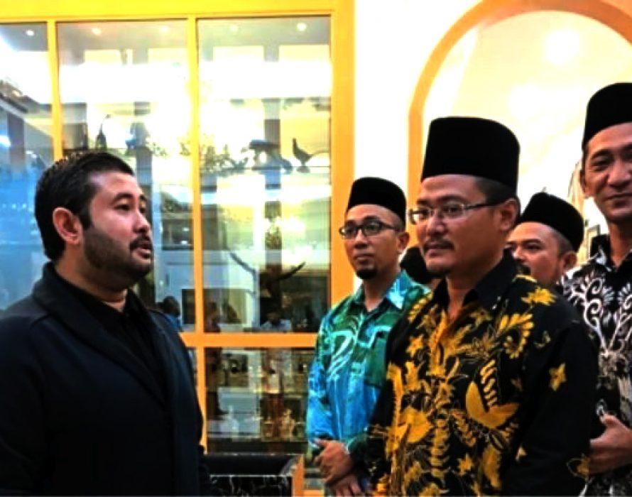 TMJ meets Johor Umno & PAS youth chiefs amidst tiff over MB post