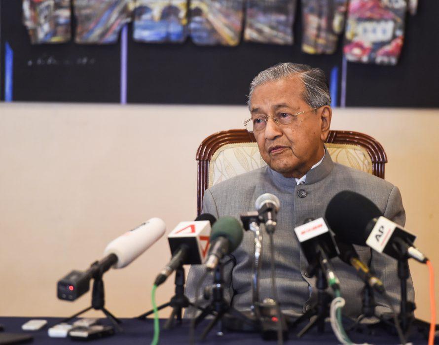 Dr.Mahathir: Innocent policemen need not fear IPCMC