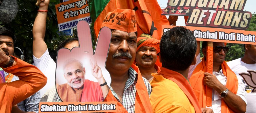 India's Modi heads for re-election, early trends show