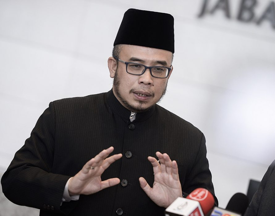 Think as a Malaysian, Perlis mufti told