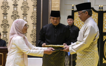 Tengku Maimun takes oath of office as Chief Justice before King
