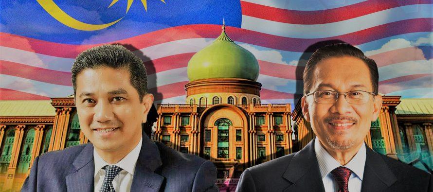 Anwar, Azmin at odds over duit raya for Felda settlers