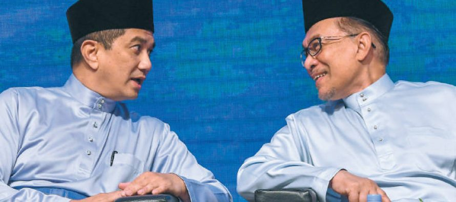 Azmin: Takiyuddin's statement on Anwar is irresponsible