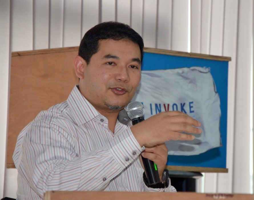 Rafizi to award money from refunded NFC suit for students