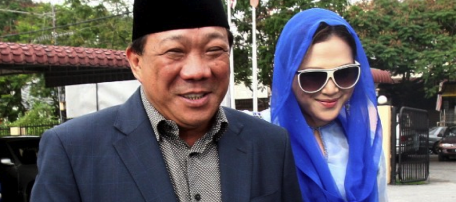 Bung Mokhtar trolled on Twitter while he and wife face charges
