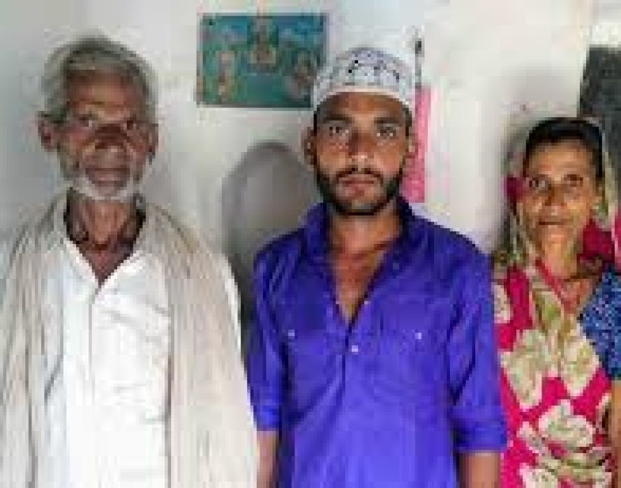 In a village, Muslims talk of leaving as divide with Hindus widens