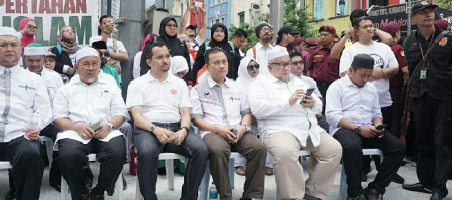 Himpunan Pertahan Kedaulatan Islam under the microscope, a macro view