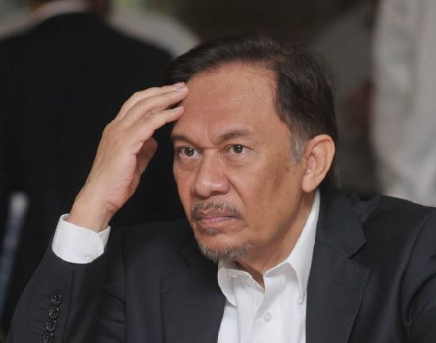Anwar: M'sia must not bow to international pressure on LGBT issues