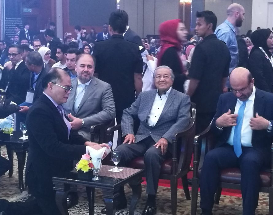 Dr Mahathir: Write the truth, don't fear Sedition Act