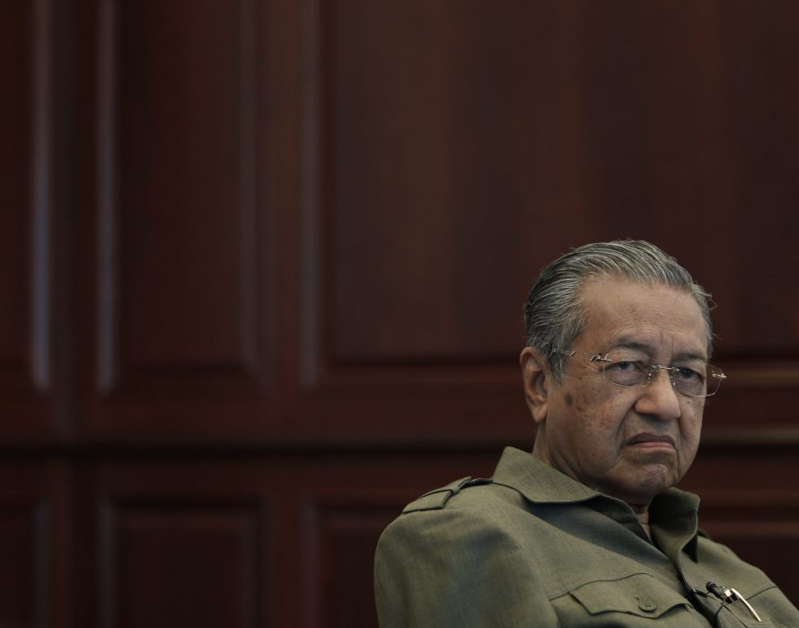 Dr M: Let's have gold based currencies