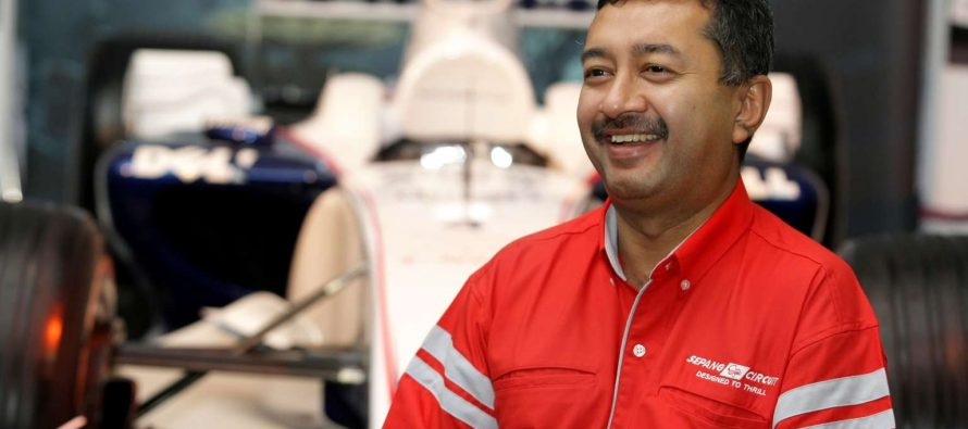Mokhzani resigns, Mukhriz reduces stake in Opcom