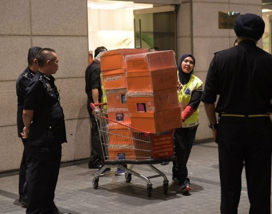 Putrajaya file forfeiture suits against Najib and Rosmah to seize items worth RM711 million