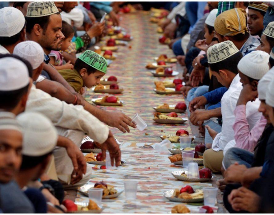 Ayodhya's Ram Sita Temple Serves Iftar Meals to Muslim Devotees on Premises, Wins Hearts