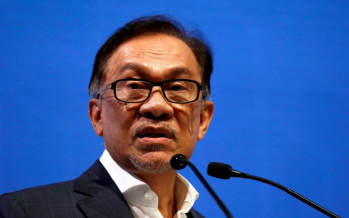 Anwar: Up to police to act on blackmailing author