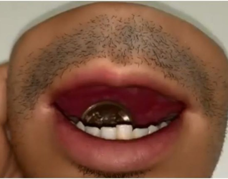 This human mouth coin purse is your worst nightmare coming true.
