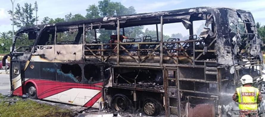 Express bus catches fire, almost no Aidilfitri for six
