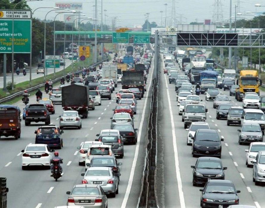 Slow traffic flow this morning on major expressways