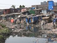 Mumbai slum-dwellers fear Dharavi redevelopment