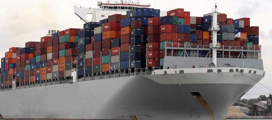 Ship carries waste back to Canada from the Philippines