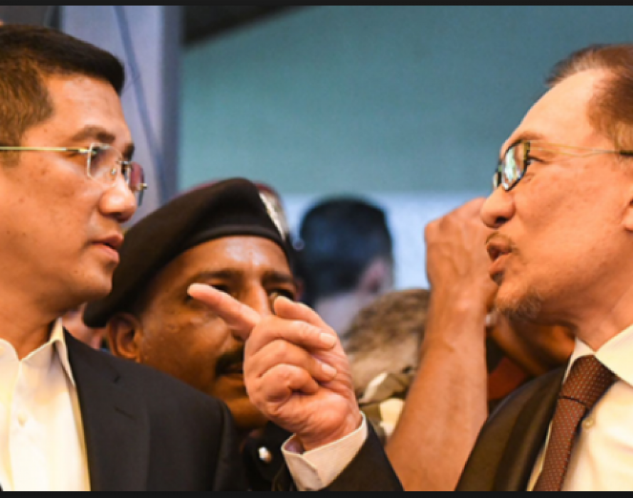 Najib amused by Anwar-Azmin's open war