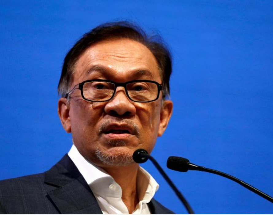 Anwar: Azmin needs to go if he is the one in the sex video