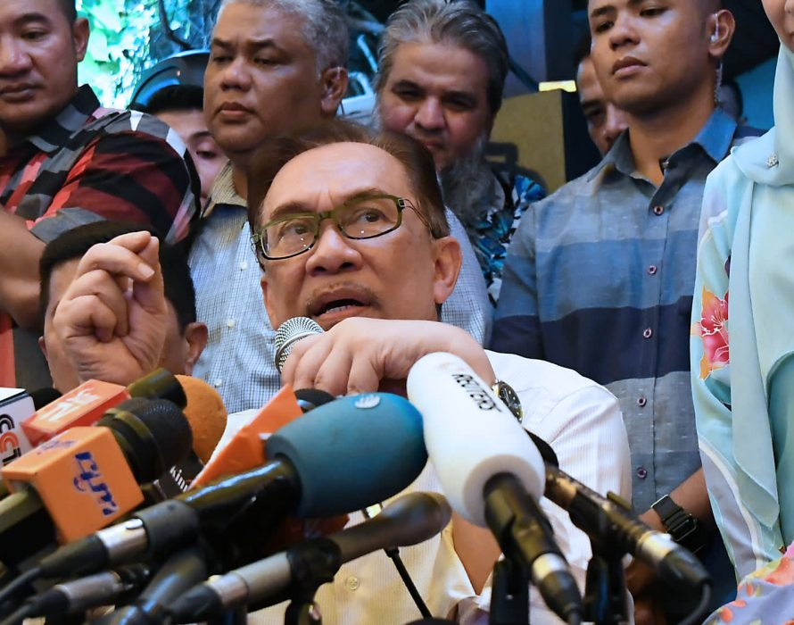 Anwar: I have the majority support,not Azmin