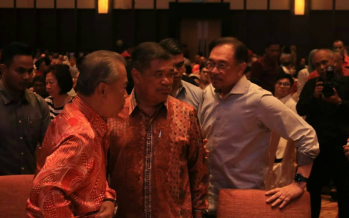 Anwar: Reject racist agenda, Sarawak