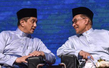 Anwar – Azmin feud can bring Pakatan down