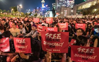 """""""Free Hong Kong"""" converge at airport"""
