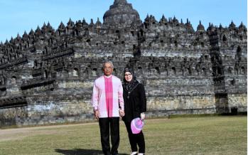 Agong, Permaisuri visit Borobudur Temple during Indonesia visit