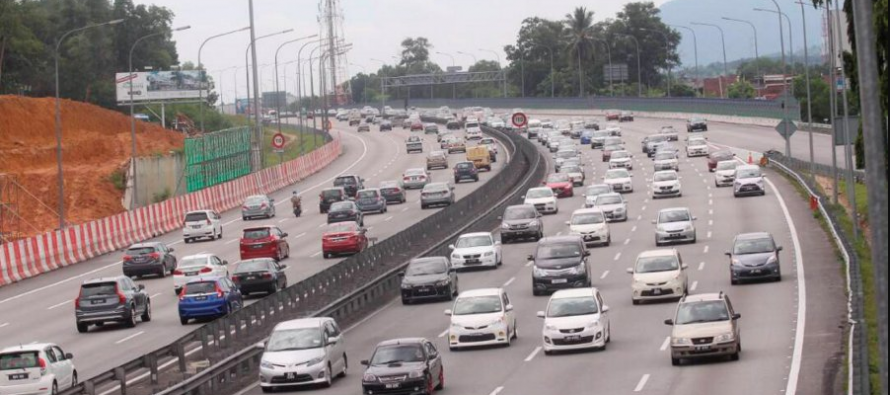 Dr M denies proposed takeover of highways put on hold