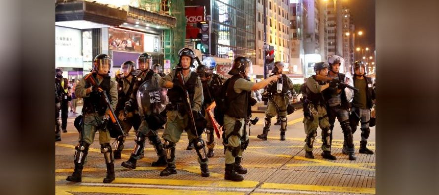 Police and protesters refine battle tactics