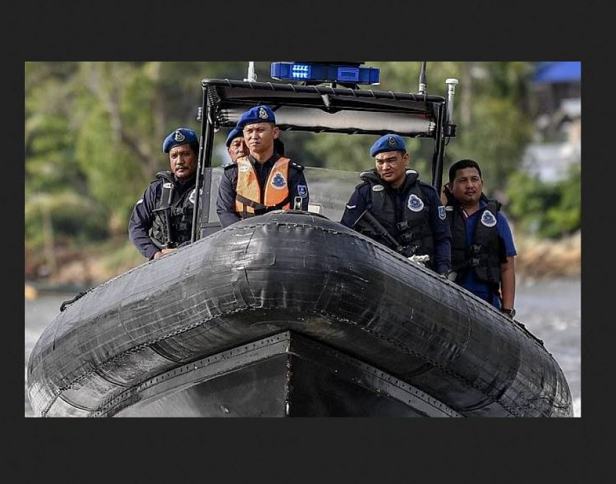Dredger catches fire near Pulau Indah, 11 crew members rescued