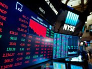 Dow Jones plummets 800 points, renewing recession fears