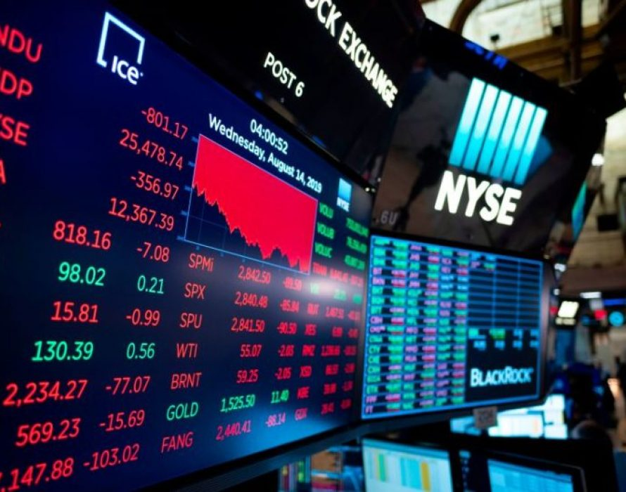 Dow Jones plummets 800 points, renewing recession fears