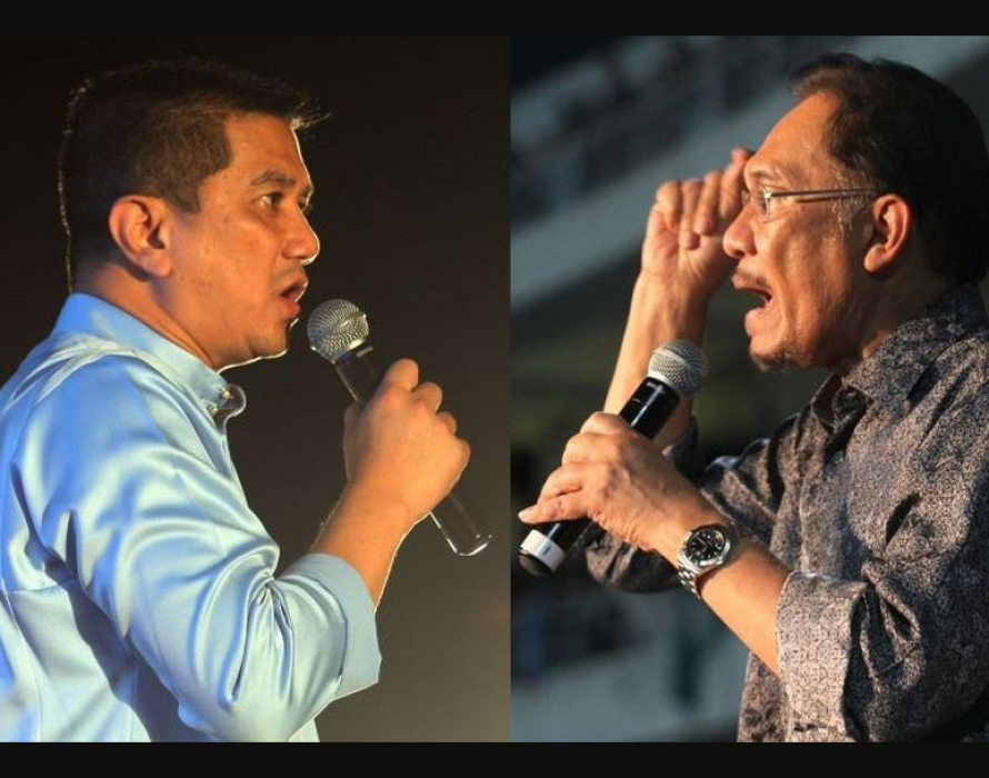 Azmin says no PC after secret meet up, Dr M on his way there