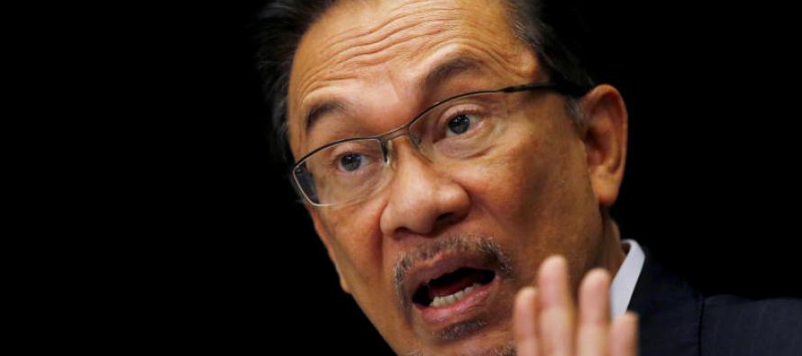 Anwar: Everyone should have mastery of Bahasa Melayu
