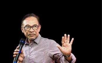 Anwar stays away from questions regarding pol – sec