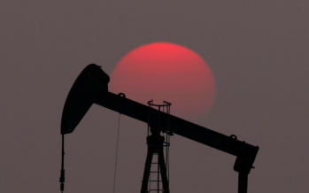 Oil prices dip due to trade war