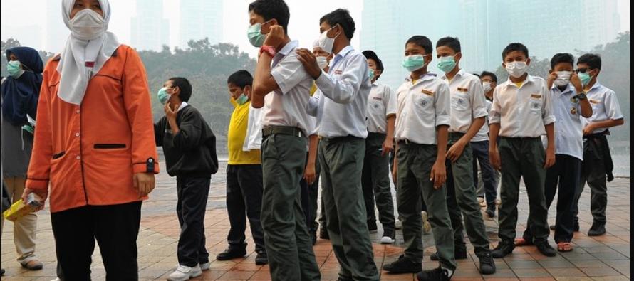 Haze gets face masks selling like hot cakes